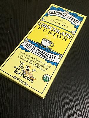 有機栽培茶葉を使用したチョコレート「The Tea Room カモミール&ハニーホワイトチョコレート」